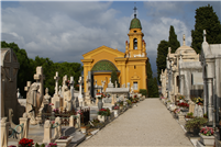 Der Friedhof in Colline du Chateau